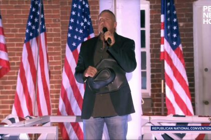 Trace Adkins Performs Star Spangle Banner at Fort McHenry for RNC Night Three
